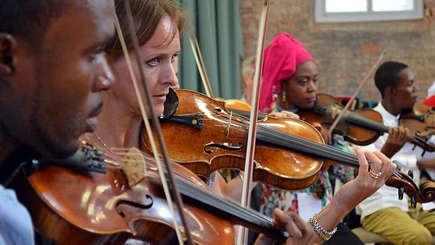 Orchestre Symphonique Kimbanguiste and Halle Orchestra