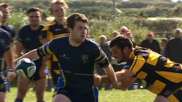 Laugharne on the attack against St Davids