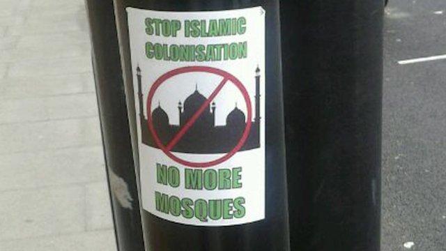 An Islamophobic notice on a lamp post