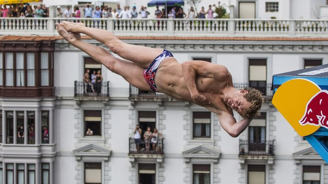 Brit Gary Hunt wins Cliff Diving world series title
