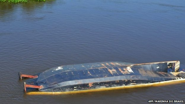 Capsized tourism boat on the Paraguay river