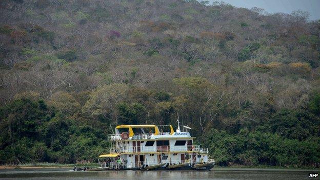 Tourist barge Bonanca in the Pantanal area, 10 Sep 14
