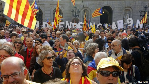 Independence supporters outside the Generalitat Palace in Barcelona, 27 September