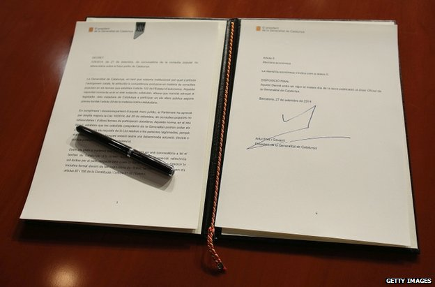 The decree signed by Artur Mas in Barcelona, 27 September