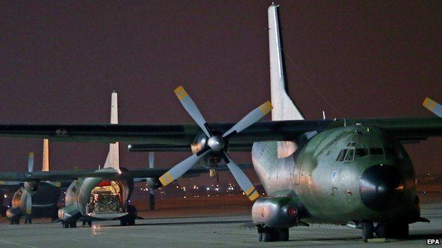 German cargo planes at Incirlik airbase, south-eastern Turkey (15 Aug 2014)