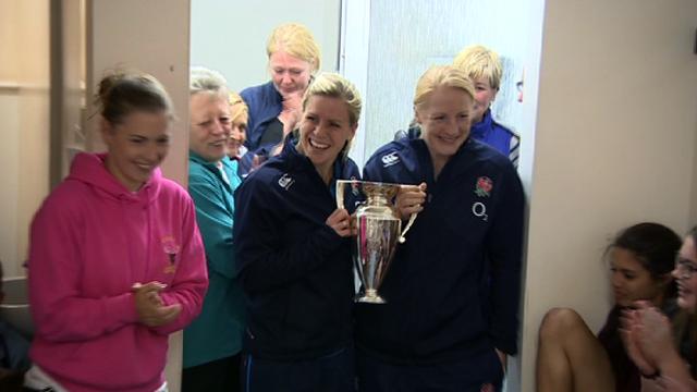 World Cup champions, Danielle Waterman & Sophie Hemmings visit the Minehead Barbarians