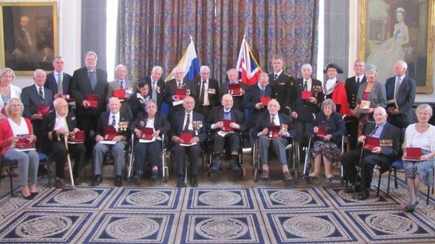 WW2 Veterans receive medals