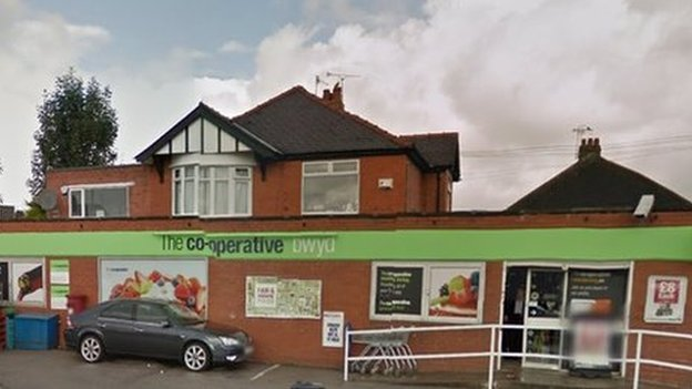Co-operative in Rhostyllen