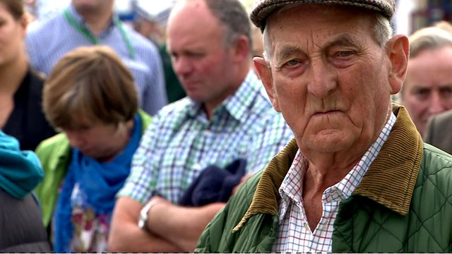 Farmers gather before taking action