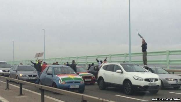protest pont