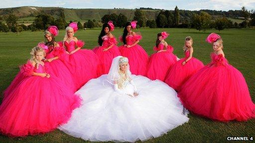 """Dydi rhaglenni fel """"Big Fat Gypsy Wedding"""" ddim yn adlewyrchiad teg o fywyd y Sipsi meddai Teleri"""