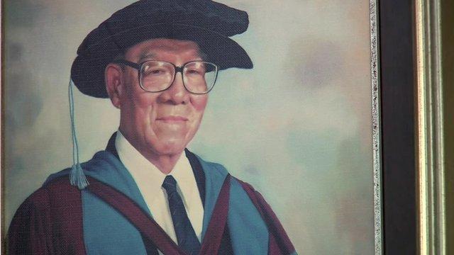 Painting of philanthropist Mr Tan Chin Tuan