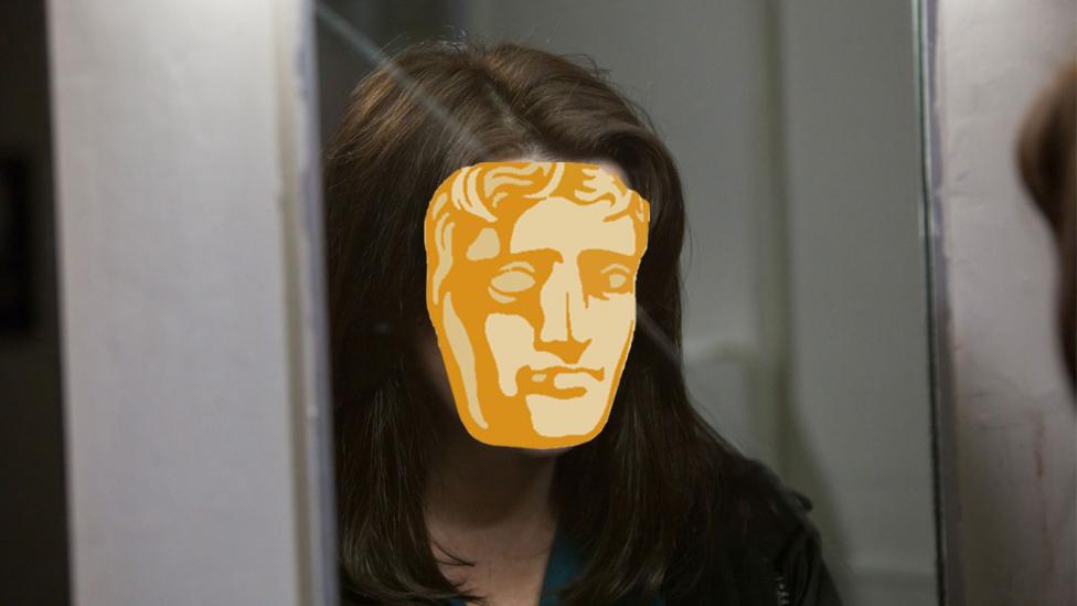 Bu'r actores o Torchwood yn perfformio rhan 'Lilly Smalls' yn addasiad BBC Cynru Wales o UnderMilk Wood yn ddiweddar