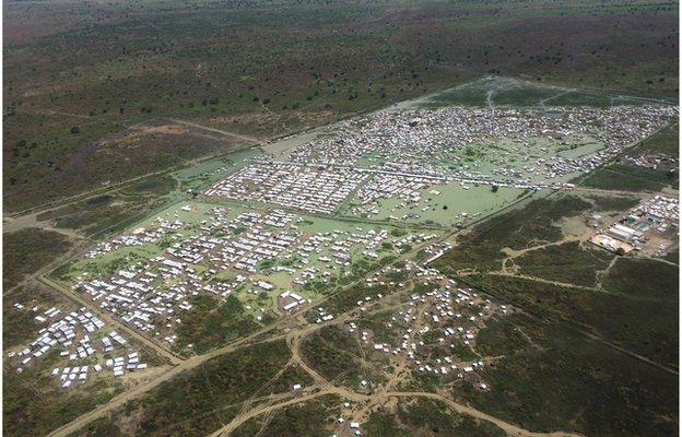 Bentiu camp South Sudan from the air 24 October 2014