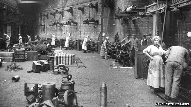 Munitions workers in Crewe in 1917