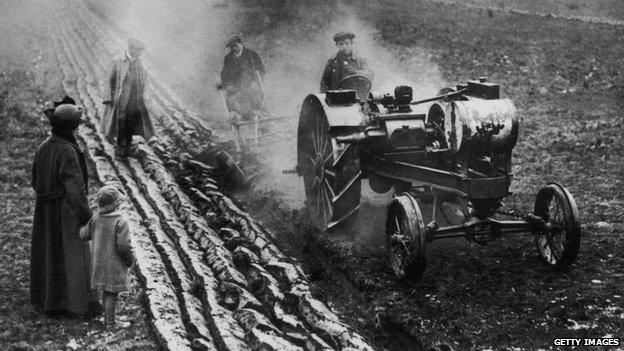 Farmer working in 1916