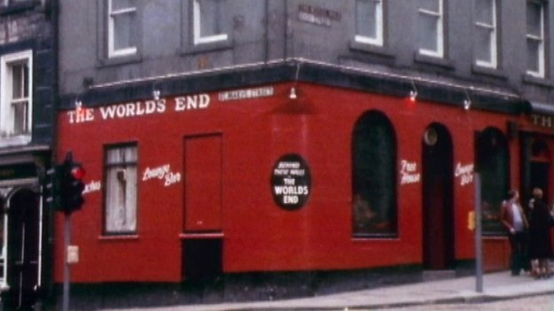 Christine and Helen were last seen in the World's End pub on Edinburgh's Royal Mile