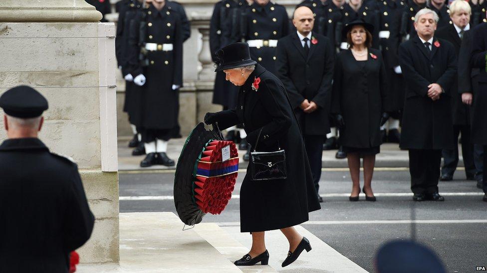 Queen lays wreath