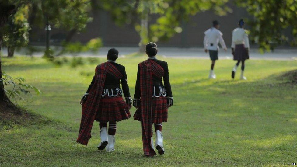Sri Lankan military bagpipers