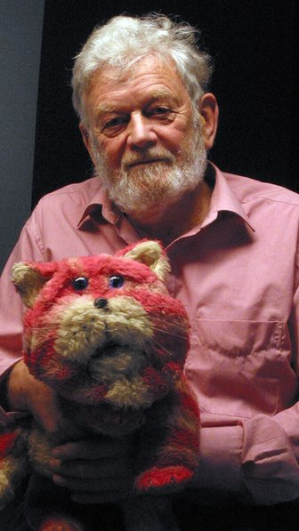 Peter Firmin with Bagpuss