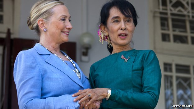 Myanmar's democracy leader Aung San Suu Kyi and US Secretary of State Hillary Clinton speak together after their meeting at Suu Kyi's residence laying out a framework for reforms on 2 December, 2011 in Yangon, Myanmar