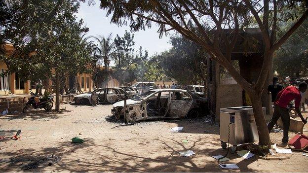 Burnt out vehicles in Ouagadougou (30 October 2014)