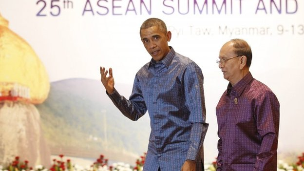 Myanmar President Thein Sein (R) walks with US President Barack Obama at the Myanmar International Convention Center in Naypyitaw, Myanmar, 12 November 2014