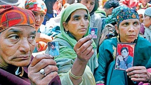 Families of those killed in machil encounter