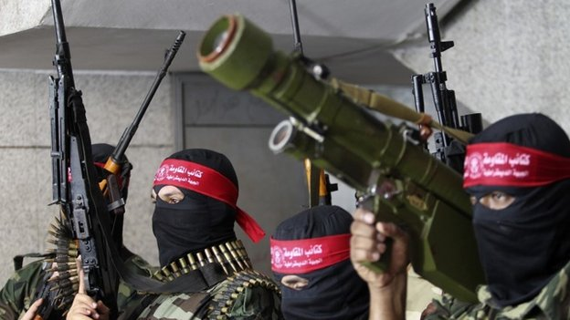 Militants from the Popular Front for the Liberation of Palestine (PFLP) take part in a parade in Gaza City (2 September 2014)