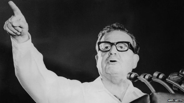 Salvador Allende speaks at the closing of the Chilean Communist Party's 5th anniversary in Santiago in 1970