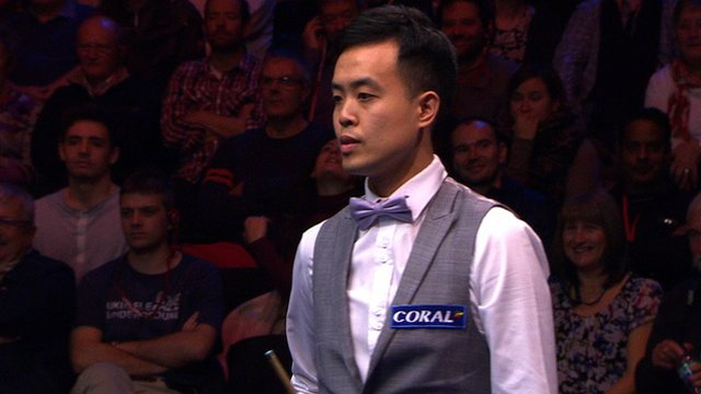 Marco Fu at the UK Snooker Championship