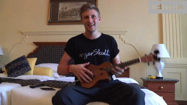 Joe Root plays Arctic Monkeys on ukulele on Sri Lanka tour