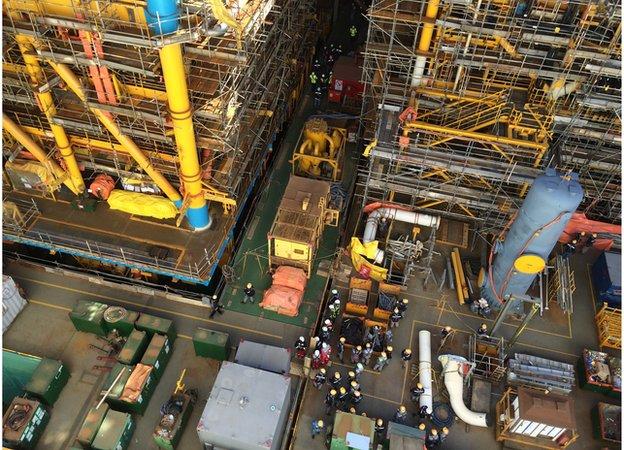 Prelude in the shipyard