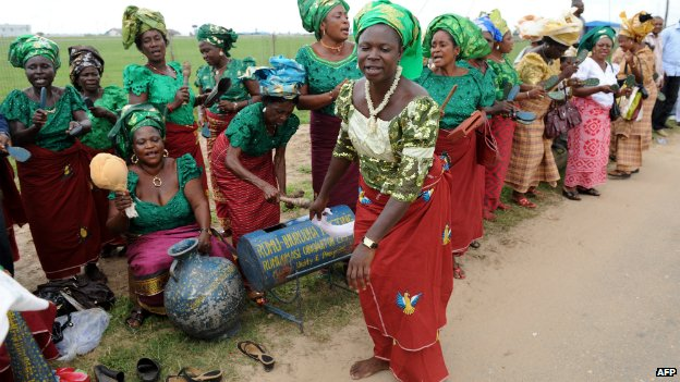 Women dance to celebrate the arrival of Nigerian President Goodluck Jonathan in Port Harcourt - 14 May 2010