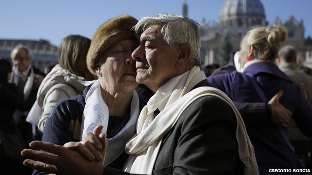 Elderly couple dancing the tango in St Peter's Square to celebrate birthday of Argentine Pope Francis