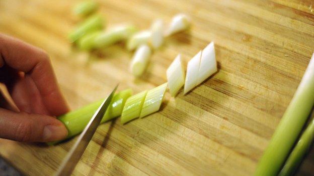 Spring onion preparation