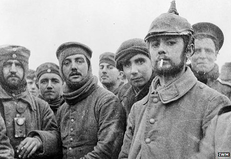 British and German soldiers fraternising at Ploegsteert, Belgium, on Christmas Day 1914, front of 11th Brigade, 4th Division. Imperial War Museum Q 11745