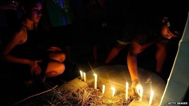 Candlelit vigil in Cairns, 19 Dec