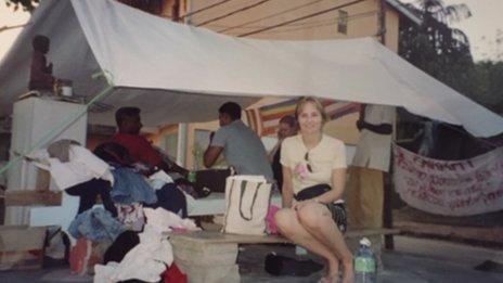 Alison Bridges yn Sri Lanka