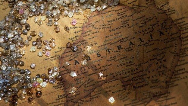 Loose diamonds on a map