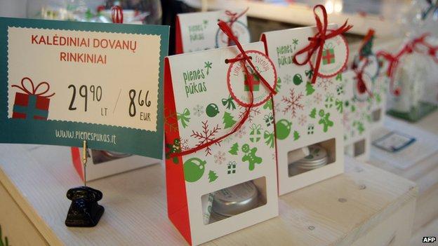 Shop display in Vilnius, 27 Dec 14