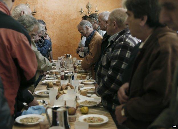 Athens soup kitchen, 13 Nov 14