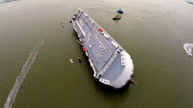 Hoegh Osaka stranded in the Solent