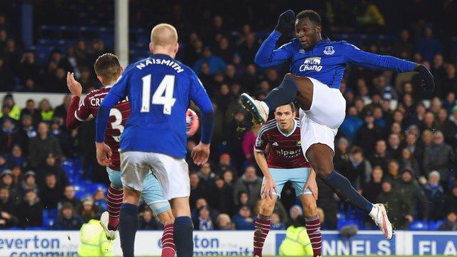 Romelu Lukaku saves Everton in injury time