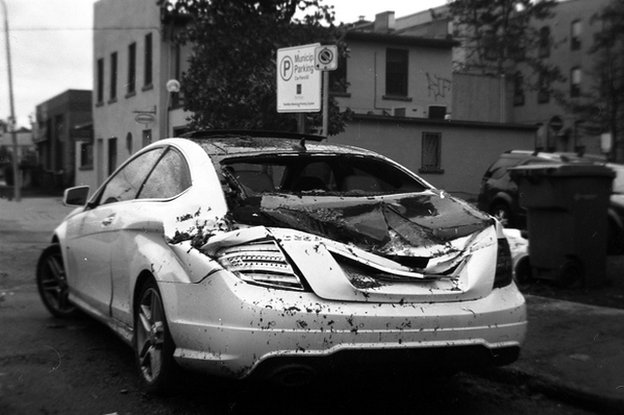 Car which has been partly smashed