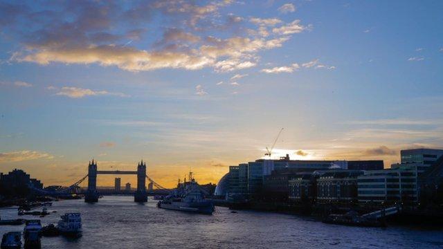 Sunrise over the Thames