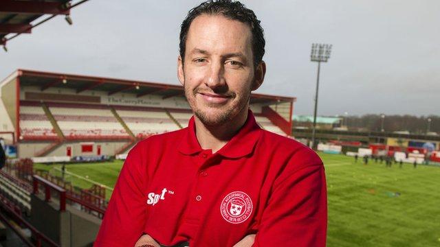 Hamilton Academical head coach Guillaume Beuzelin