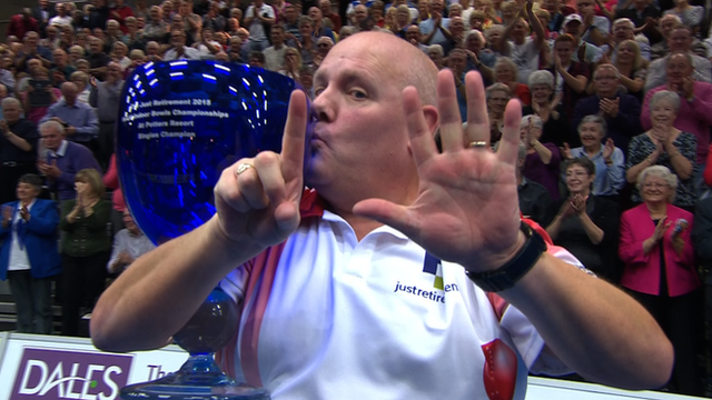 Scotland's Alex Marshall beats Andy Thomson to lift the World Indoor Bowls men's singles title for a sixth time