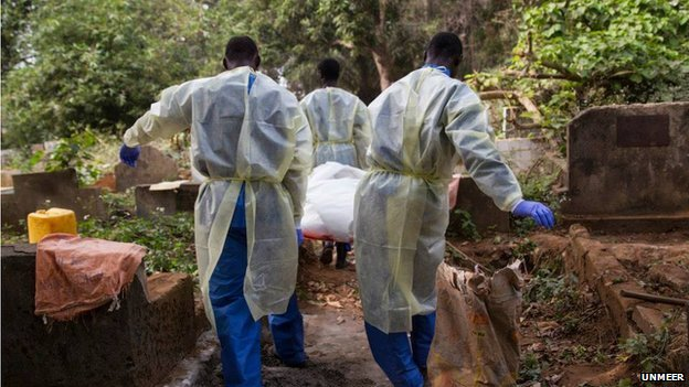 In Guinea, Doctors Without Borders/Médecins Sans Frontières (MSF) and the Guinea Red Cross are partnering up to implement safe and dignified burials. Courtesy: UNMEER