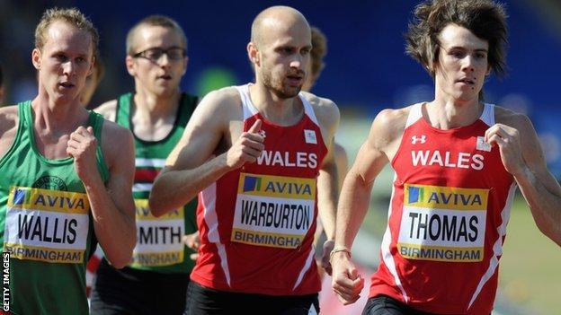 Warburton yn rhedeg dros Gymru